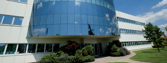 000 m 2 covered) and about 110 employees, Autoclima is located in new and modern buildings in Cambiano near Torino (Italy).