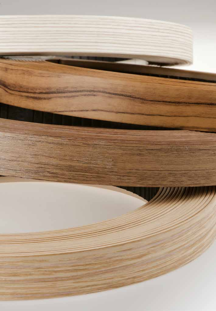 » OrIgINAl EggEr EDgINg FOr the PErFECt DECOr AND texture MAtCH BoRdi originali egger: per la perfetta ComBiNaZioNe di decori e FiNituRe «Perfect harmony with the surfaces and colours of boards The