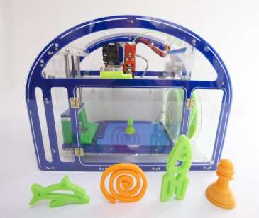 Printeer, la stampante 3D i bambini Printeer, una start-up crowd-funded su KickStarter, è una 3D printer kid-friendly progettata appositamente per i bambini.