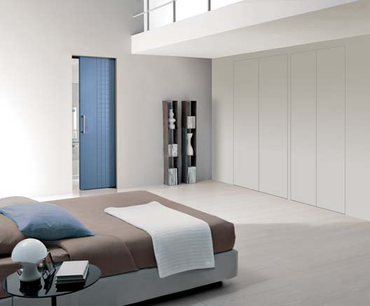 01/13 WA WALL DOOR PORTE E CHIUSURE FILOMURO PER L INTERIOR DESIGN PORTE WALLDOOR IL SISTEMA ALL IN ONE ADATTO AD OGNI ESI- PREGIATO ESSICCATO CON BATTUTA A BORDO QUADRO E ANIMA IN- GENZA.