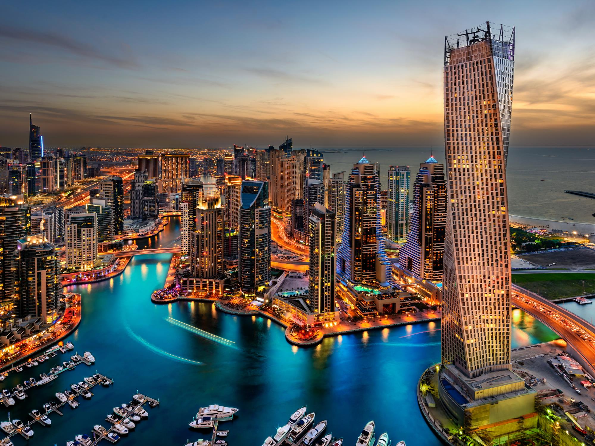 EMIRATI ARABI UNITI (UAE) COUNTRY OVERVIEW Focus Retail