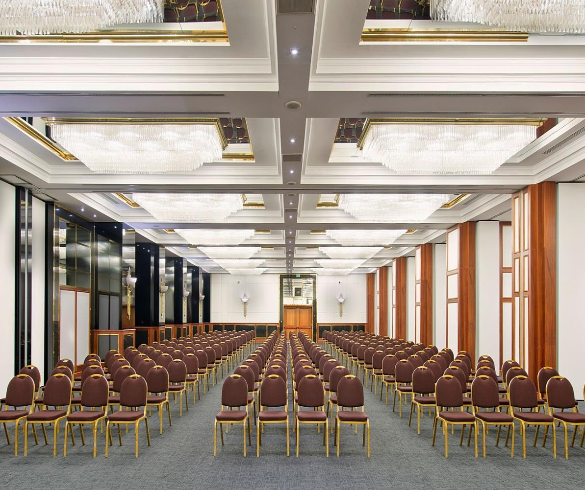 MEETING & EVENTS ONE OF THE TOP HOTELS IN MILAN. HOLD YOUR MEETING IN OUR RENEWED FACILITIES, LET US TURN YOUR EVENT INTO A SUCCESS! IT IS NOT OUR JOB, IT IS OUR PASSION.