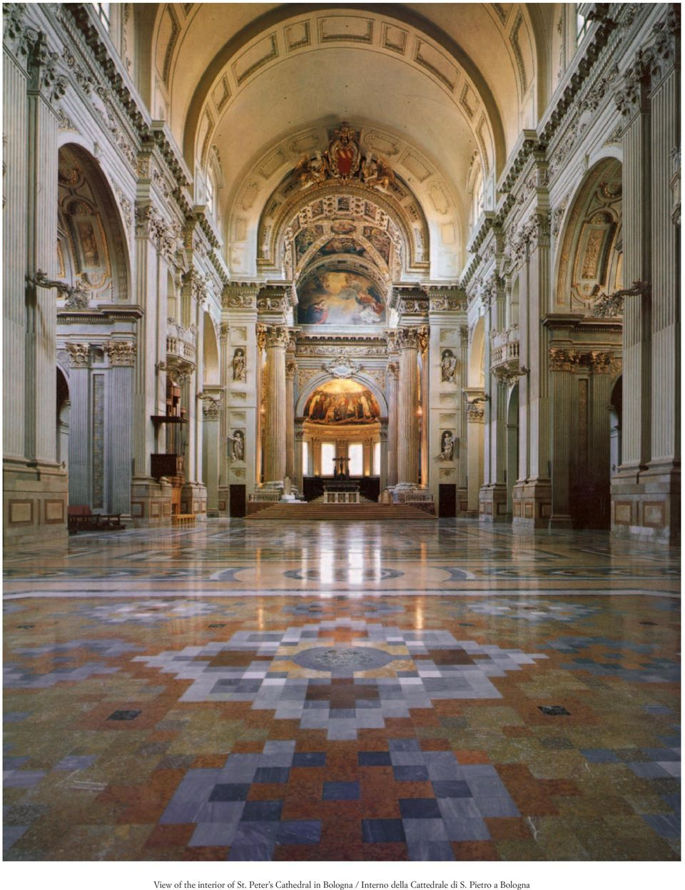 View of the interior of st peter s cathedral in bologna for Interno 1 bologna