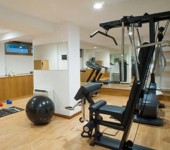 fumatori Conference Center Business Point Restaurant Fully equipped gym with Sauna and