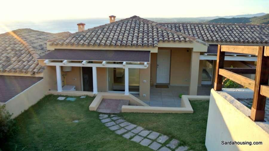 Terraced villas Terra Mala Along the coast of Quartu S. Elena, in Località Terra Mala, we offer new terraced villas with shared pool and a beautiful view of the sea.
