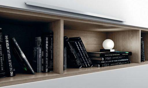 18. 19 The practicality of open wall cupboards can be seen with the easy arrangement of objects.