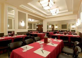 Spacious meeting rooms conceived for conferences, meetings and congresses.