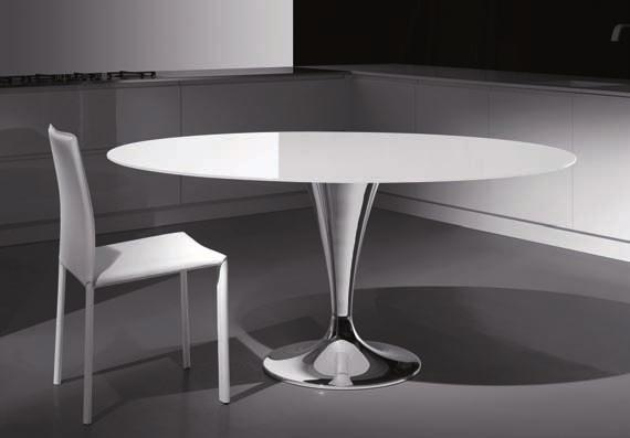 temperato table in glossy chromed metal with