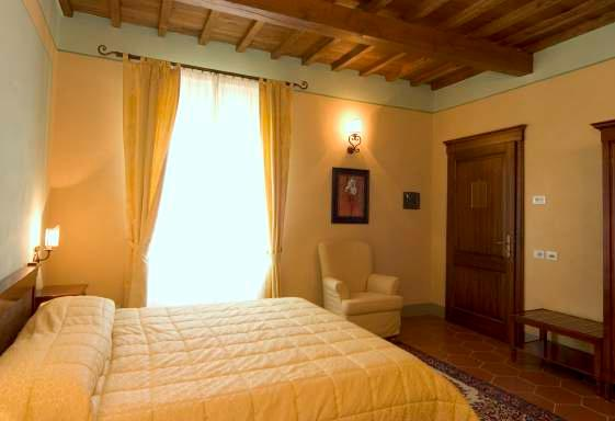 Fontebussi Classic A comfortable, elegant room with all the amenities.