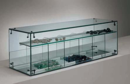 The showcases are available in different heights: - counter showcases, cm - mid-size showcases, 1 cm - full-size showcases, cm (with