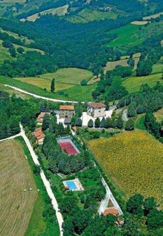 Located on a hillside,12 kms. from Assisi, this perfectly maintained property is easily reached but also fully immersed in a lush landscape of woods and olive groves.