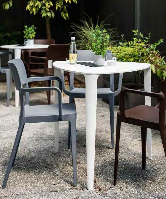 Fixed table suitable for outdoor use. NENÈ 75x75, 85x85 Tavolo fisso impilabile fino a 4 pezzi. Adatto ad uso esterno. Fixed table stackable up to 4 pieces. Suitable for outdoor use.