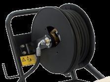 The hose reel can be mounted on the handle on request A richiesta, possibilità di montaggio dell avvolgitubo sul manubrio Comet ZW-K pump with 3 integral ceramic pistons and brass pump head.