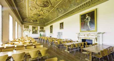L inglese in Inghilterra Stowe Buckingham Età: 13-17 anni e 7-12 anni Alloggio: college Programmi: All English Senior, All English Junior, All English Exams L antico villaggio di Stowe